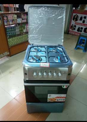 4 burner cooker with oven