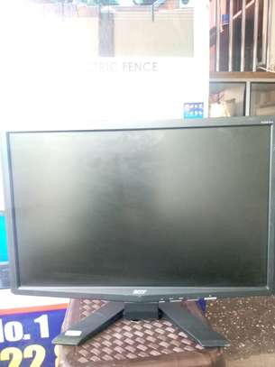"22"" monitors image 5"