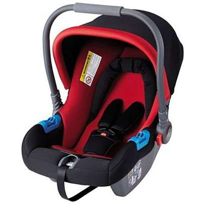 Superior Infant Baby Car Seat/ Carry Cot (0-12months) - Red & Black image 1