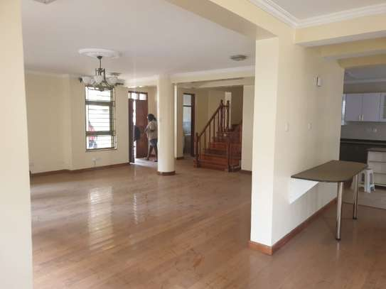 5 bedroom townhouse for rent in Lavington image 5