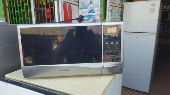 Samsung 1150W Microwave image 1