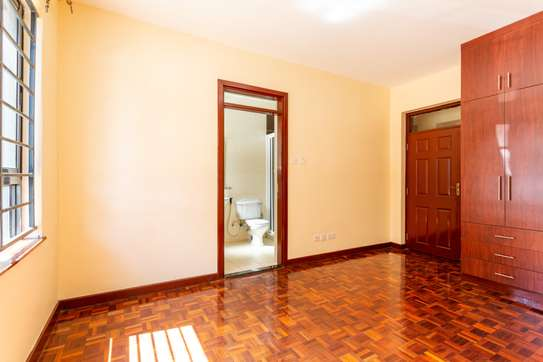 3 bedroom apartment for rent in Kilimani image 11
