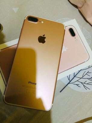 Apple Iphone 7 Plus Gold 256 Gigabytes image 1