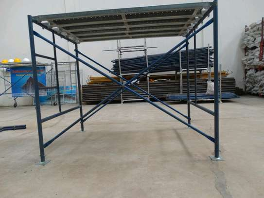 scaffolding frames ladders for hire. image 2