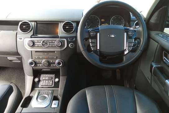 Land Rover Discovery 4 image 11