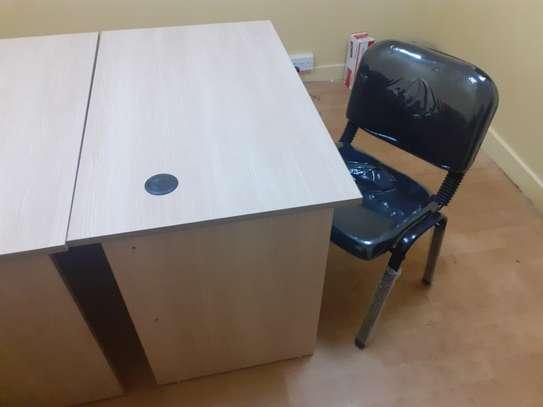 Advantage Desk/Chair Package image 2