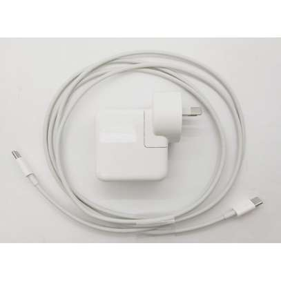 Apple USB-C Power Adapter For Macbook image 6