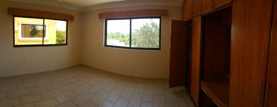 3br penthouse apartment for rent in old Nyali. Id 2105 image 10