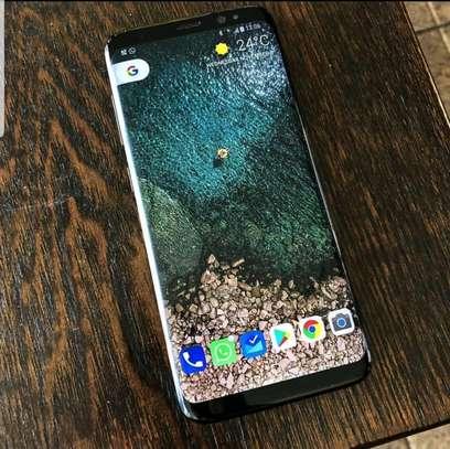 Lewis Smartphones image 1