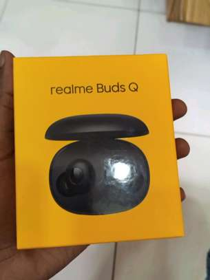 Realme Buds Q brand new and sealed in a shop image 1
