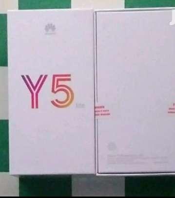 HUawei Y5 Lite 16GB Black image 1