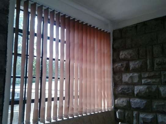 WORKPLACE HANGING BLINDS image 4