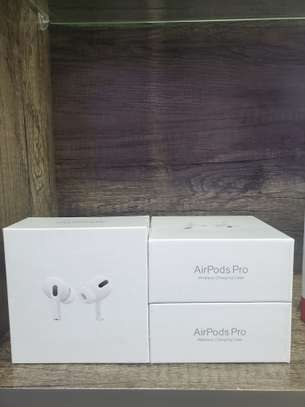 apple airpods pro image 4