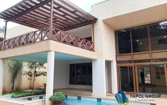 5 bedroom villa for rent in Lavington image 4