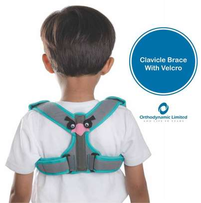 Clavicle Brace with Velcro child image 1