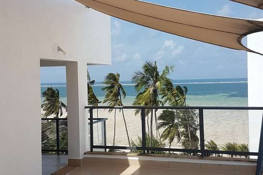 3br executive beach penthouse apartment for rent in Bamburi Beach. 2430 image 3