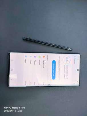 Samsung Note 10 image 3