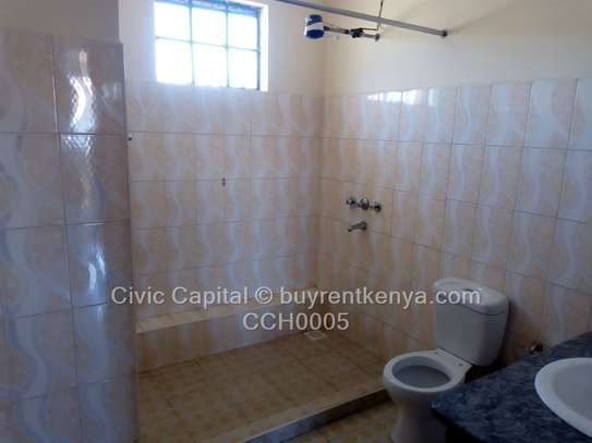 4 bedroom townhouse for rent in Syokimau image 16