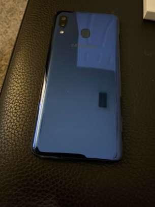 Samsung A20 image 4