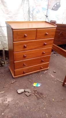 Chest of drawers image 1