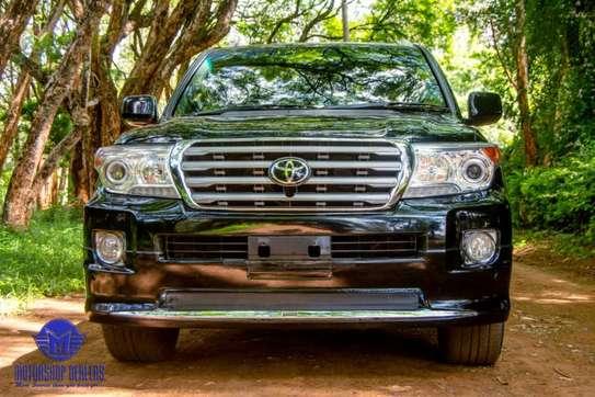 Toyota Land Cruiser image 13