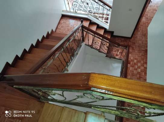 6 bedroom townhouse for rent in Lavington image 13