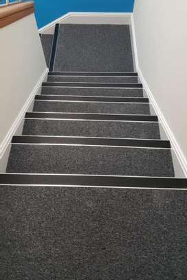 THICK BRAIDED WALL TO WALL CARPETS image 5
