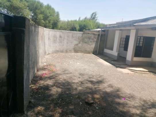 3 Bedroom all ensiute bungalow in Karen to let image 2