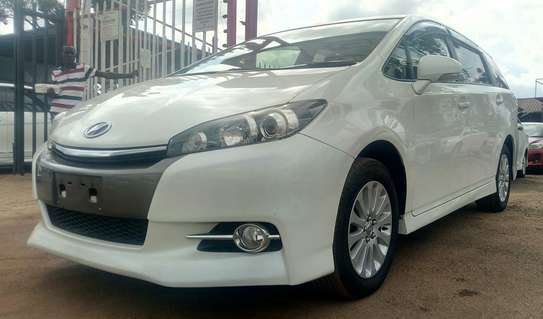 Toyota Wish 2013 White 1800cc Valvematic