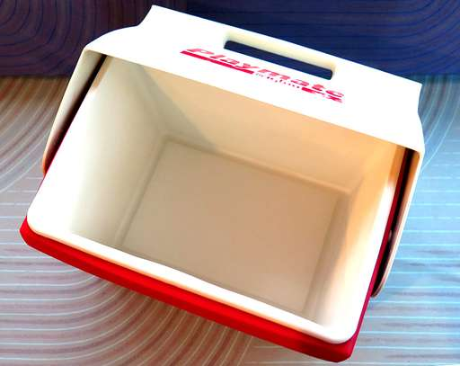 BRAND NAME IGLOO PLAYMATE ELITE 16 Qt. ICE CHEST / RED BODY WITH WHITE LID MADE IN THE USA image 2