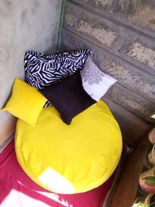 Beanbags and floor pillows image 3