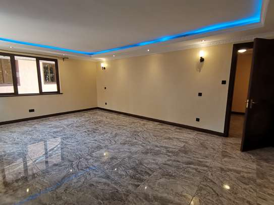NEWLY BUILT CONTEMPORARY 4 BEDROOM TOWNHOUSE WITH DSQ image 2
