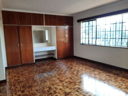 Lovely 3 Bedrooms House To Let in Kileleshwa image 6