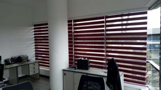 WORKPLACE HANGING BLINDS image 6