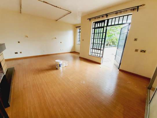 5 bedroom house for rent in Lavington image 11