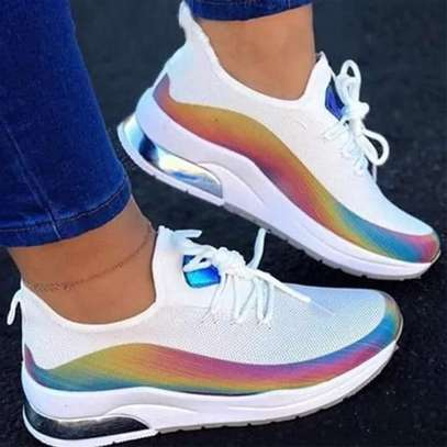 Sneakers image 2