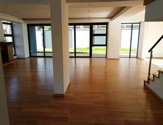 Executive 4 Bedroom Townhouse For Rent In Garden Estate  At Kes 225K image 11