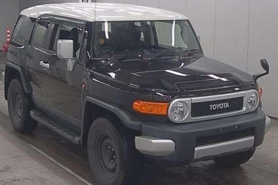 Toyota FJ CRUISER image 1