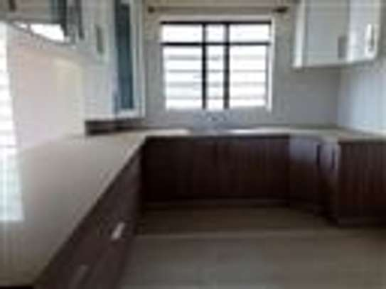 4 bedroom townhouse for rent in Thindigua image 12