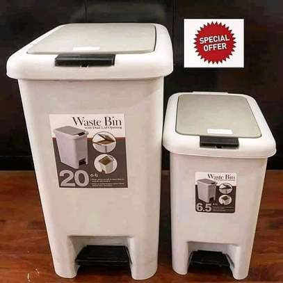 2 in 1 pedal push dustbin image 1