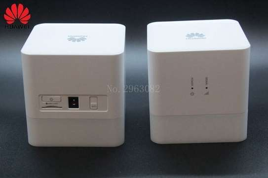3G/2G HUAWEI MOBILE WIFI ROUTER SIM CARD 300MBPS