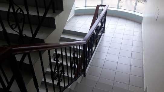 4 bedroom apartment for rent in Rhapta Road image 9