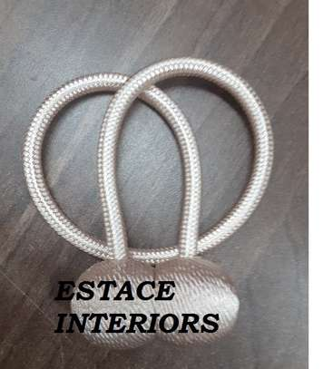 MAGNETIC CURTAIN TIE BACKS image 4