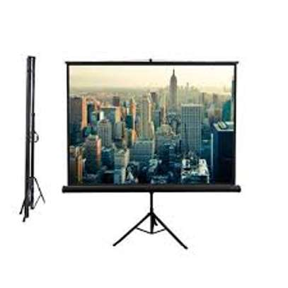 Portable/Tripod 84' x 84' projection screen image 1