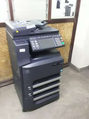 DURABLE KYOCERA TASKALFA 300i PHOTOCOPIER/PRINTER/SCANNER
