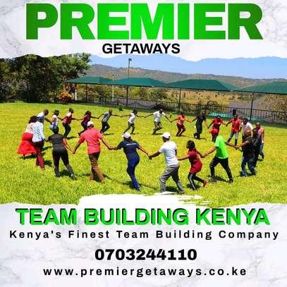 Outdoor Team Building image 6