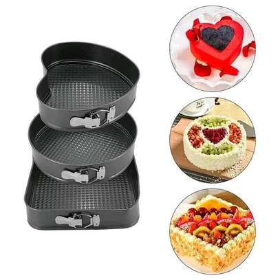 *Quality Non~stick baking tins 3 different shapes  set of 3pcs image 2