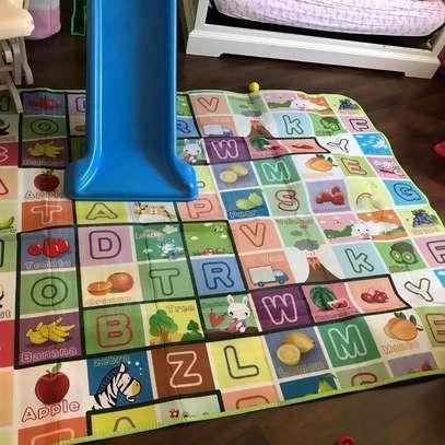 baby/newborn essentials/playpen/Rocker/Free Playmat image 4