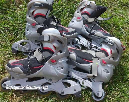 Roller skating shoes image 1