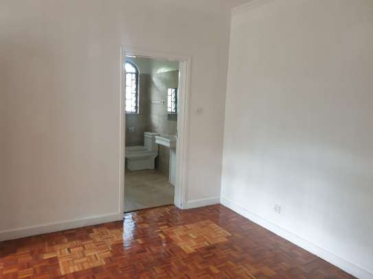 3 bedroom house for rent in Muthaiga Area image 6